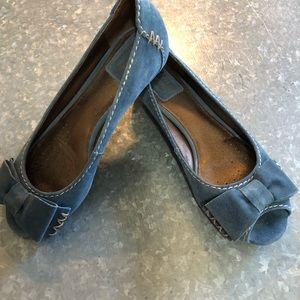 Shoes - Clark's Artisan Blue Suede Open Toe Flat! SZ 6M